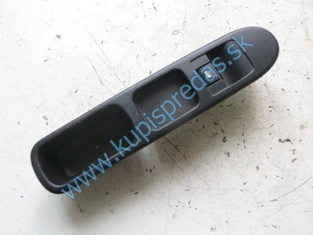 pravý predný vypínač na otváranie okna na peugeot 207, 96548606
